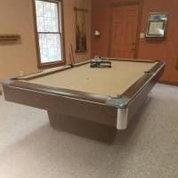 Big G Gandy Pool Table with Accessories